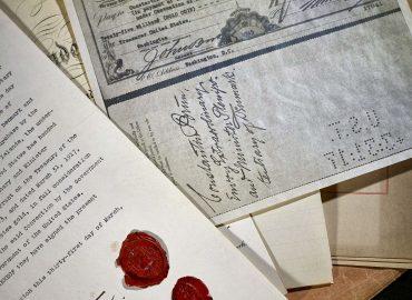 Traktat og check fra salget af de dansk vestindiske øer.